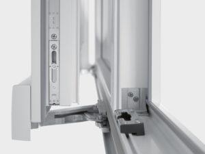 Замена механизма пластикового окна в Самаре